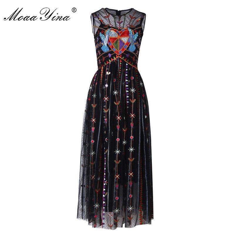 Kadın Giyim'ten Elbiseler'de MoaaYina Moda Tasarımcısı Pist elbise Bahar Yaz Kadın Elbise Örgü Şerit Kuş Nakış Kristal Boncuk Zarif Elbiseler'da  Grup 1