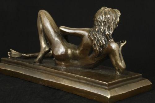 Décoration bronze usine pur laiton Antique ancien élaboré intéressant cuivre Collectable Sexy Belle Statue d'ornement
