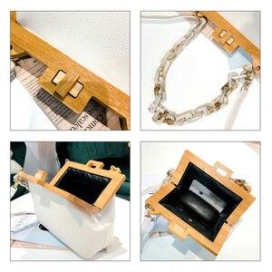 Image 5 - Houten Clip Schoudertas Vrouwen 2019 Zomer Luxe Designer Korea Acryl Dikke Ketting Kleine Vierkante Handtas Messenger Bag Vrouwelijke