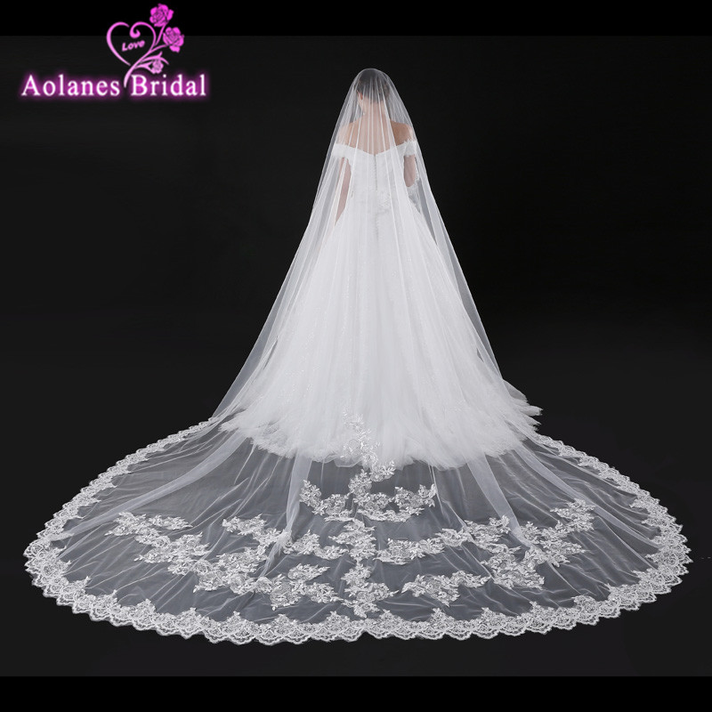 AOLANES 2017 New 4 Meters Cathedral Wedding Veils Long Lace Edge Bridal Veil Ivory Wedding Accessories Bride Mantilla