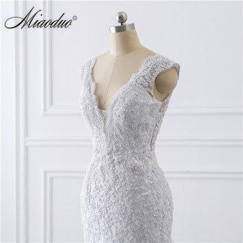 vestido de noiva sereia branco 2019 abiti da sposa Illusion Button Back Lace Applique Pearls Crystal V Neck Wedding Dresses New 6