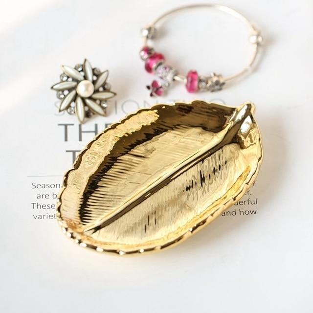 711d0394a947 Cerámica hoja de oro de la placa/objetos pequeños para acomodar mini  paletas decoración de porcelana dorada bandeja de almacenamiento