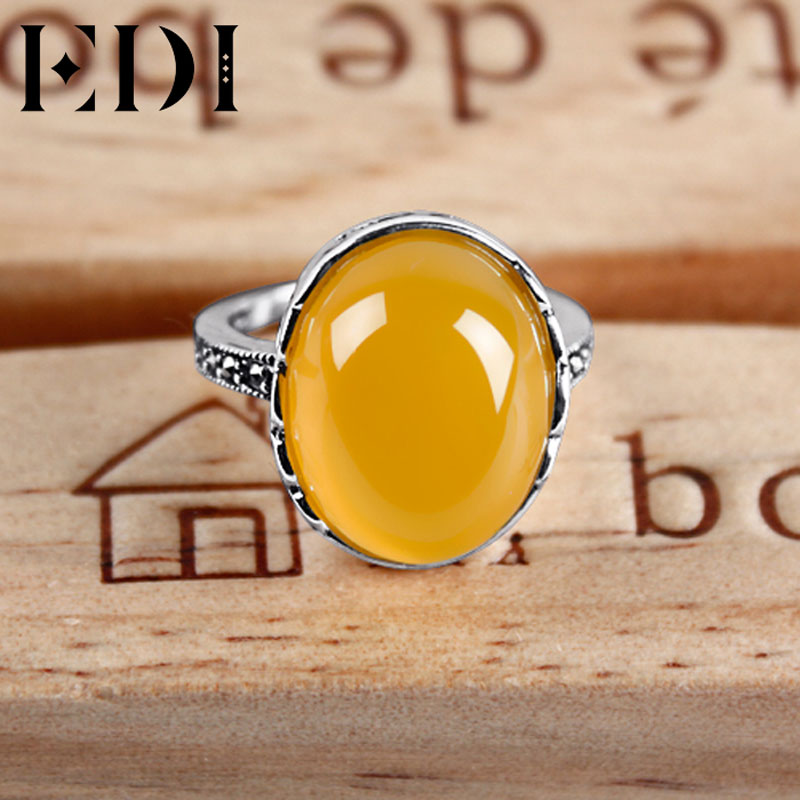 with ring gold set intaglio white large shield rtp chalcedony rings antique heraldic a shiel signet