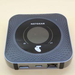 Разблокированный Мобильный маршрутизатор Netgear Nighthawk M1 MR1100 4GX Gigabit LTE 1 Гбит/с CAT 16 LTE расширенный беспроводной маршрутизатор
