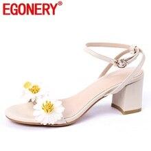 76270eb9f EGONERY sapatos mulher sandálias do verão da mulher nova moda doce flor  fora med saltos casco senhoras fivela sapatos de couro g.