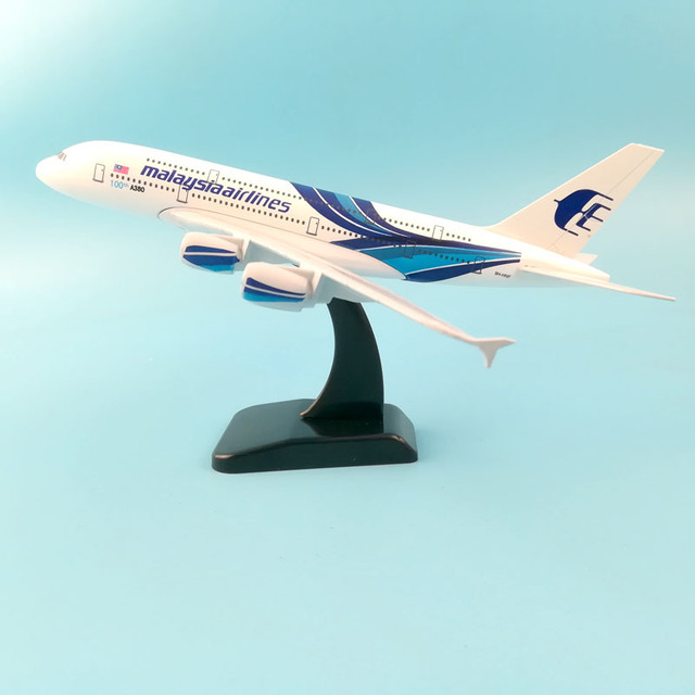 JASON TUTU Plane Model Airplane Model Malaysia Airlines Airbus Aircraft Model 1:200 Diecast Metal 20cm Airplanes Plane Toy Gift