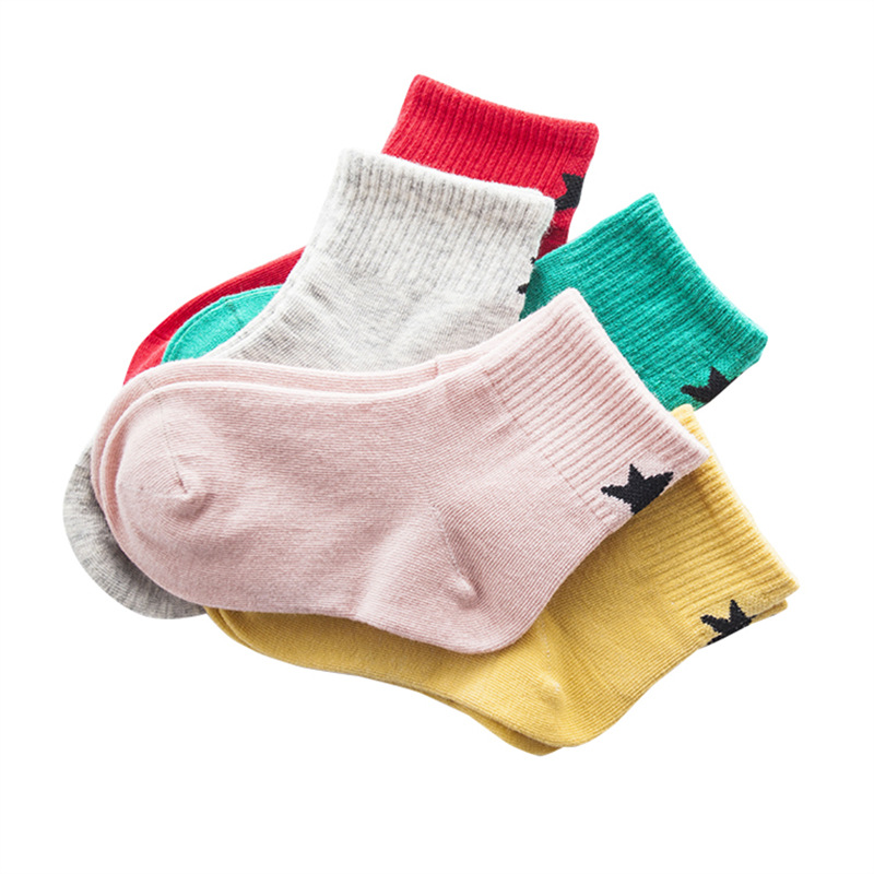 1 Los = 5 Pairs Baby Mädchen Socken Baumwolle Kinder Zurück Zu Schule Socken Set Weiß Farbige Klassische Casual Jungen Kinder Crew Socken Sterne