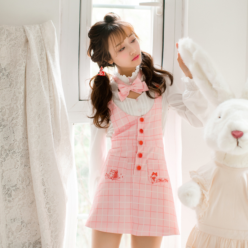 Princess sweet lolita skirt Candy rain Summer new womens day sweet bow embroidered pocket braces skirt C22AB7044