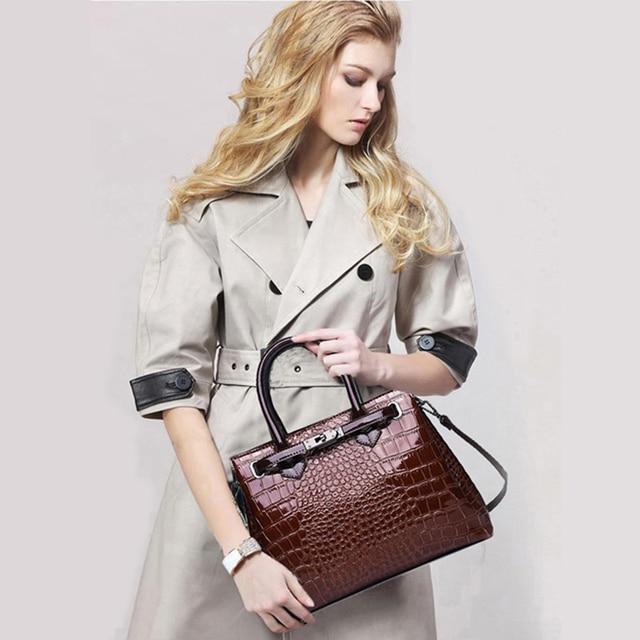 Classic Crocodile Pattern Handbag  2