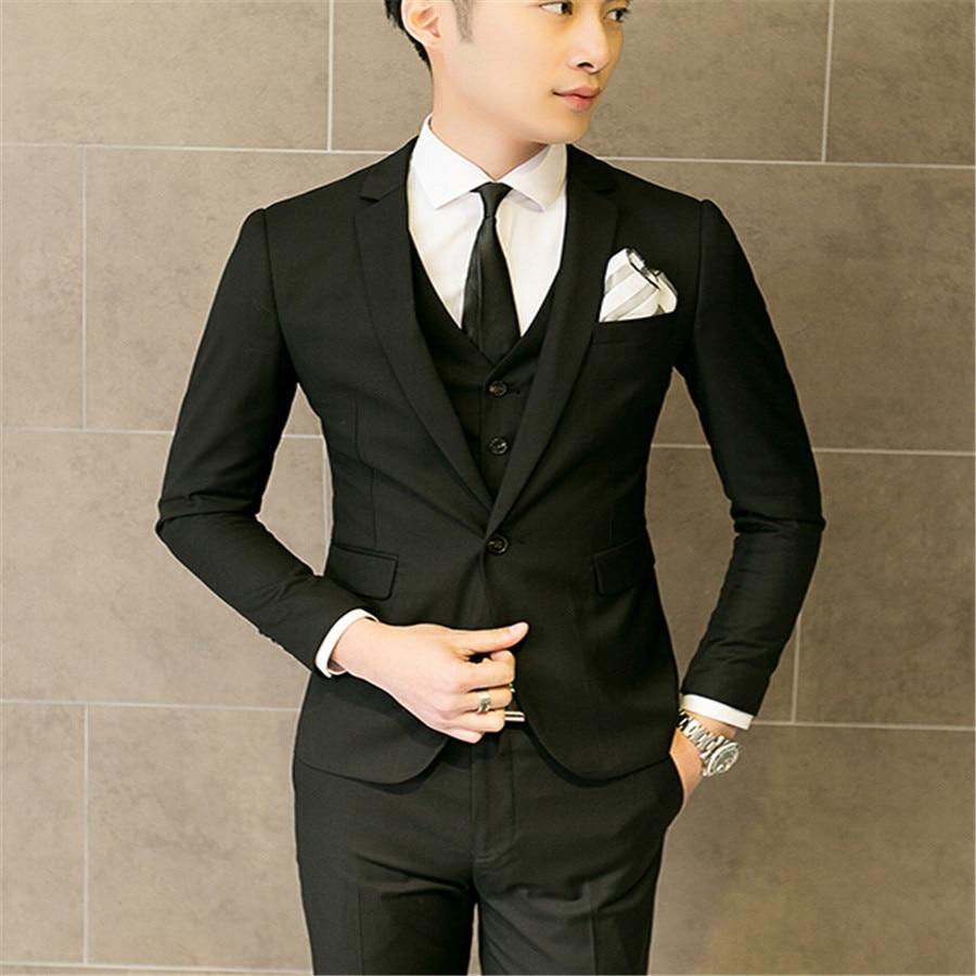 Vestito Matrimonio Uomo Rosa : Uomo vestito di nero ad un matrimonio i vestiti sono