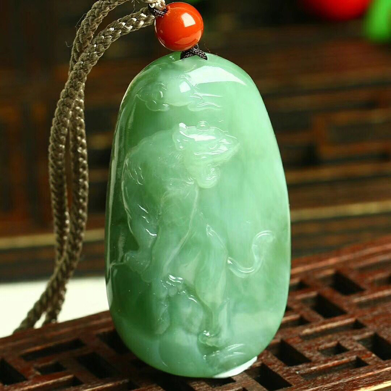 Fine Green Natural Stone Pendant Carving Tiger Pendant Sweater Chain Necklace For Men Women Meaning Lucky Zodiac Pendant Jewelry цена 2017