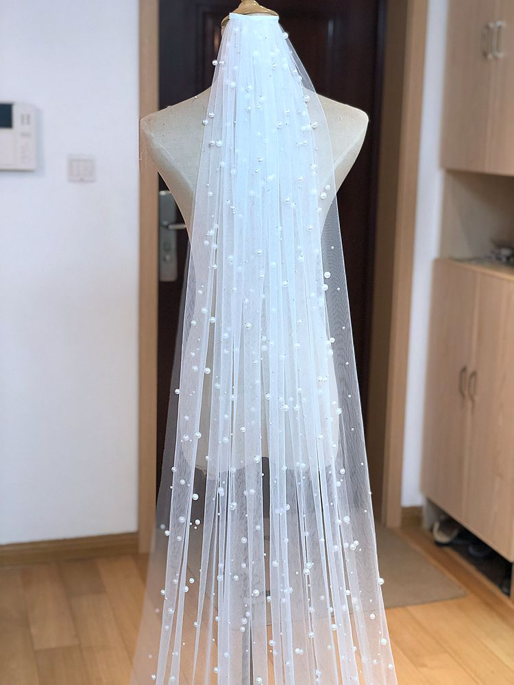 Image 2 - 5m Hot Sale 1 Tier Cathedral Royal Crystal Pearl Wedding Bridal Veil With Pearl Ivory EE708-in Bridal Veils from Weddings & Events