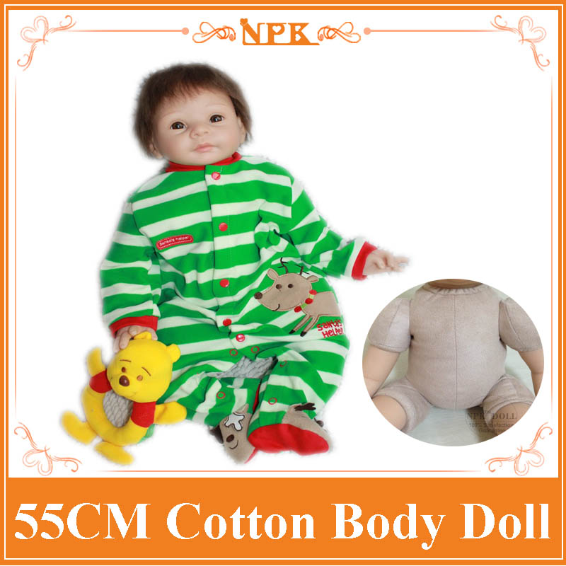 22 high quality Silicone Lifelike Bonecas Baby Reborn doll with Green clothes realistic magnetic pacifier doll reborn girls toy npk 22 high quality silicone adorable lifelike bonecas baby reborn realistic magnetic pacifier bebe bjd doll reborn for girl gi