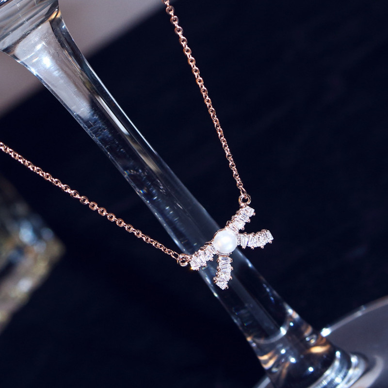 Classic Copper Real Rose Gold Plated White Stellux Austrian Crystal Pendant Necklace Color Retention Quality Bow