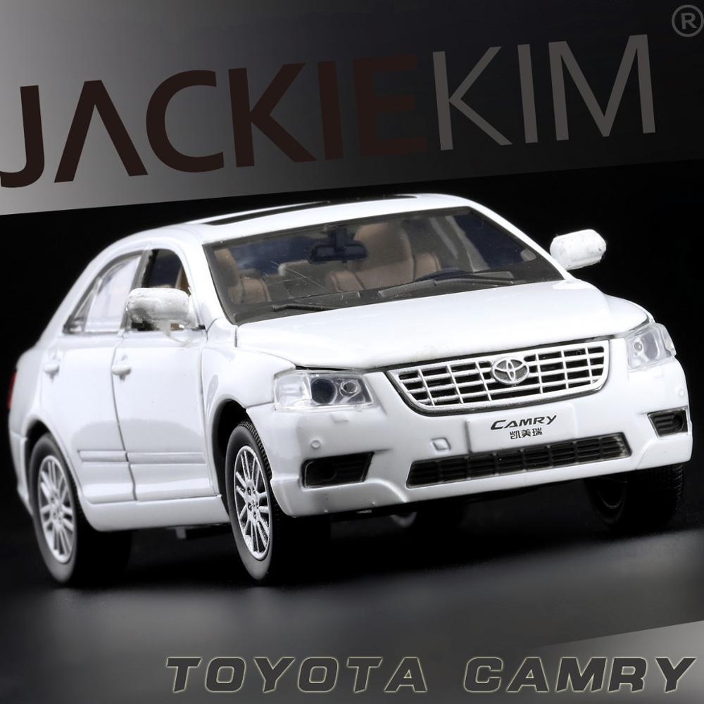 Toyota Camry Colors: High Simulation Car,1:32 High Quality Toyota Camry,4 Open