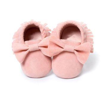 赤ちゃん女の子新生児モカシンソフト少年少女フリンジソフト底のノンスリップ靴靴