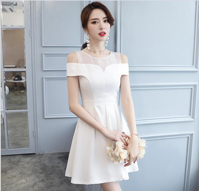 Free shipping Fashion and sweet Europe United States 2018 summer temperament fashionable new shoulder waist A word dress
