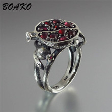 Vintage Red Garnet Ring Pomegranate Shaped Zircon Stone Crystal Rings for Women Ethnic Jewelry Silver Color Wedding Rings Gifts