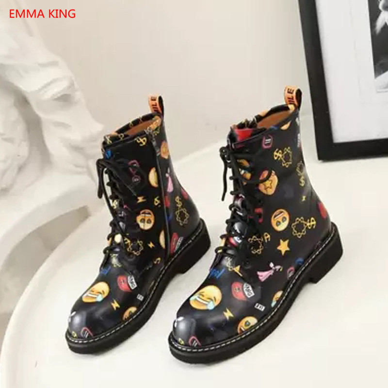 Femmes Bande Court D'hiver Automne Conception Shown As Martin Bottes Casual Chaussures Dessinée as Emoji In Luxe Picture Affiches En Hiver Picture Cuir De Graffiti Appartements Femme qxYItAY