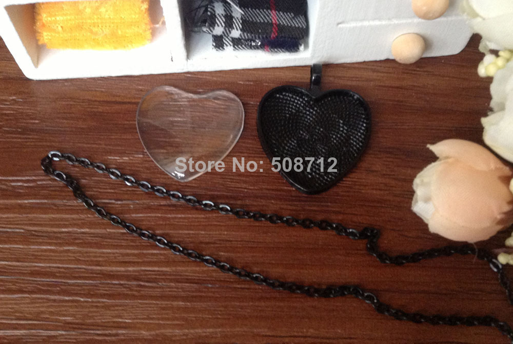Free shipping!!! Black Color Pendant Trays 25mm Heart bezel Cup Cabochon Mountings with matched Glass Cabs and Chain with clasp