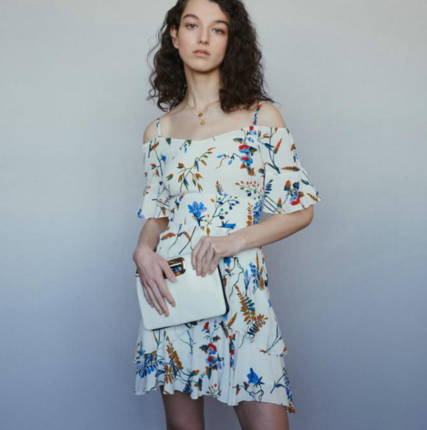 Women Dress 2019 Spring and Summer Slim Floral Sling Strapless High Rise Ruffle Mini Dress-in Dresses from Women's Clothing    1