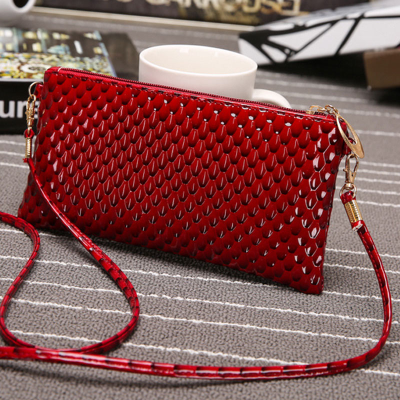 Fashion Women Mini Handbag PU leather Nail Pattern Solid Leather Zipper Messenger Bag Girl Envolope Shape Shoulder Bag 88 New new arrival 2017 brand pu leather women handbag soft pu leather shoulder bag fashion solid zipper women bag