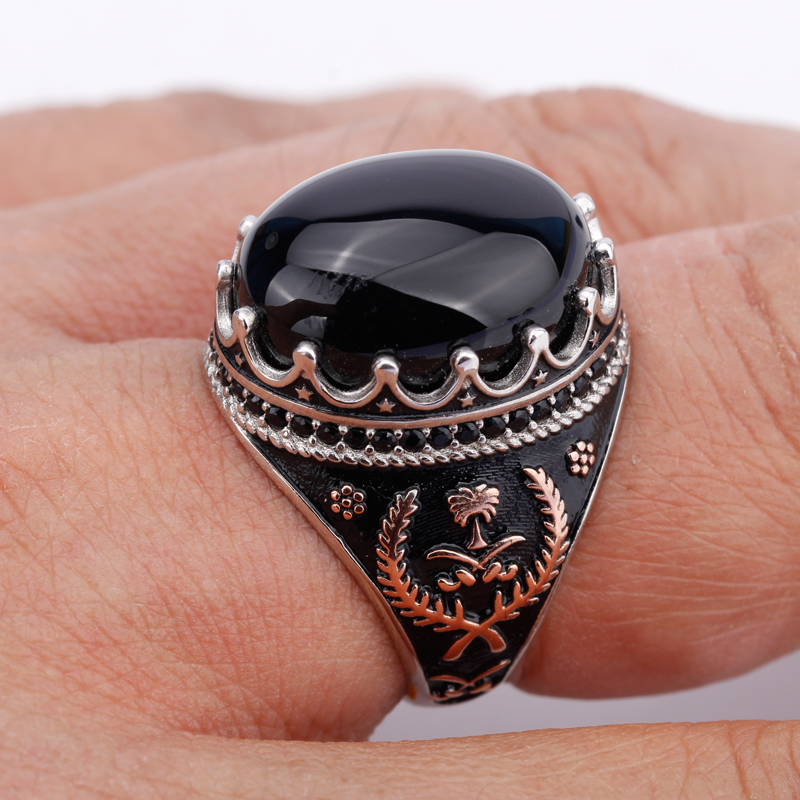 925 Sterling Silver Men Finger Ring Oval Black Stone with Lucky Grass Symmetry Ring for Men Jewelry New Arrival shattered symmetry