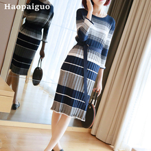 Loose Striped Knitted Dress Summer Spring 2019 O-neck Corset Midi Wrap Dress Women Soft Brief Bandage Contrast Dress for Ladies stylish scoop neck striped mesh spliced midi dress for women