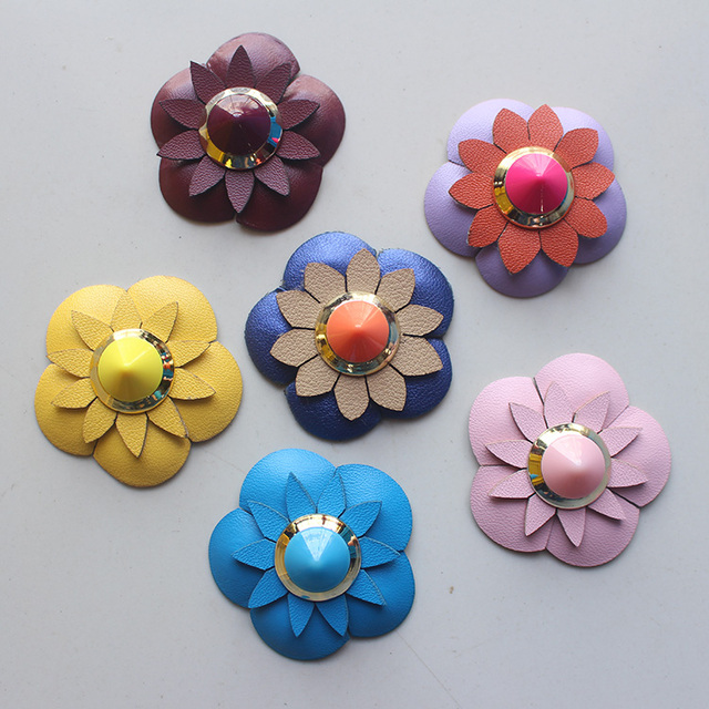 Colored Rivet Leather Flower Patches Sweater Badge Sticker Apparel Sewing Fabric Patches for Clothing Hat Bag Decor Diy Material