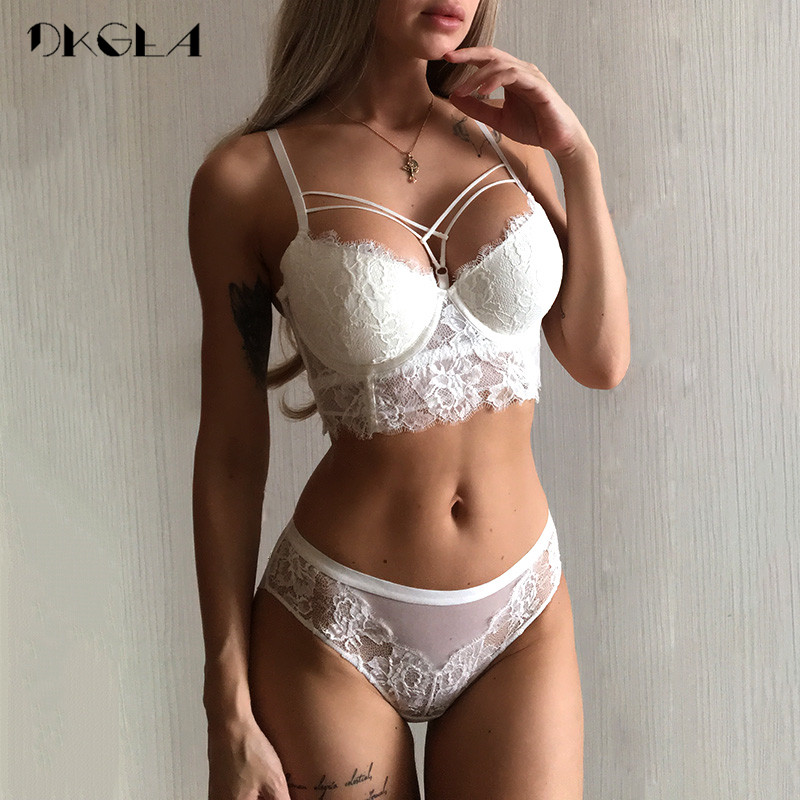 New Top Sexy Underwear Set Green Bras Cotton Brassiere Women Lingerie Set Lace Embroidery Push up Bra Panties Sets Deep V Gather lingerie top