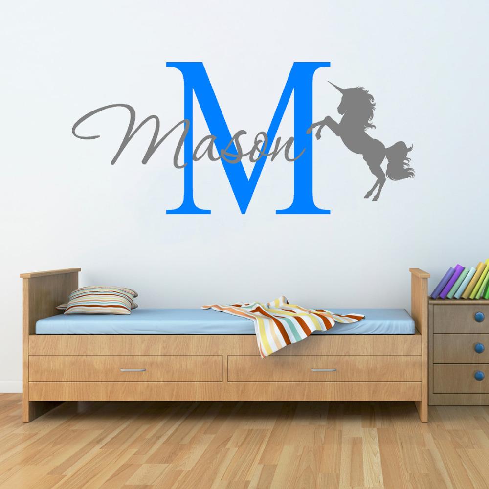 Unicorn horse with name wall stickers for kids room baby nursery wall art decal girls bedroom for Stickers para dormitorios