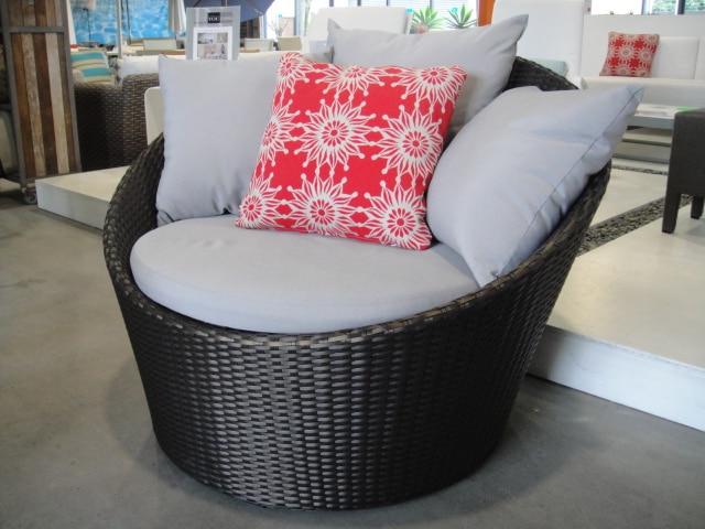Outdoor Wicker Chairs Nz Slipper Under 100 Hot Sale French Rattan Single Furniture Daybed In Garden