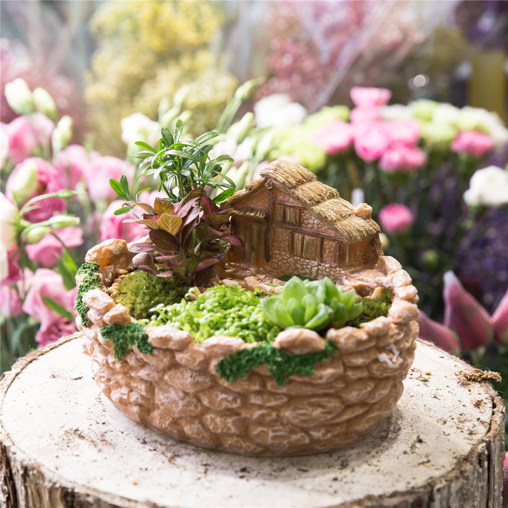 Miniature Decorative Cottage Fence Sculpture Succulents Planter