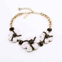 Major Suit Hot Jewelry Accessories Friendly Personality Black And White The Cow Color Flower Necklace