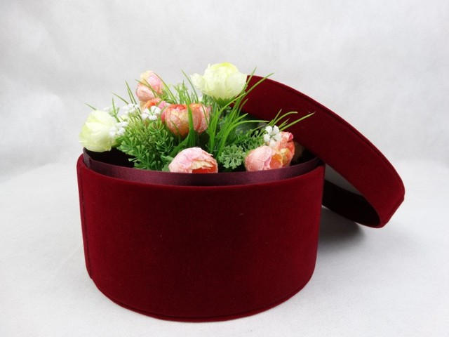 wine red flowers gift box diy circular flower box packing box in gift bags wrapping. Black Bedroom Furniture Sets. Home Design Ideas