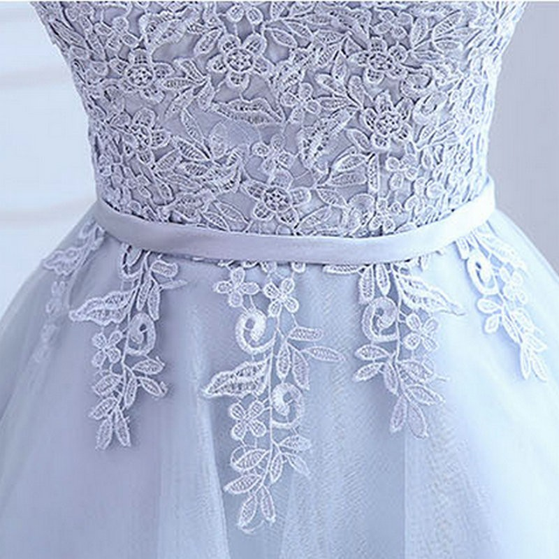 A-lõikega pitsiline kleit