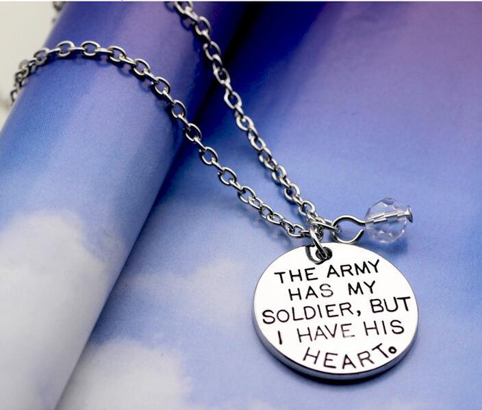 """* UK shop Plata /""""el ejército tiene mi soldado pero tengo su corazón collar regalo"""