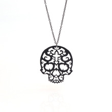 Seanlov Minimalist Fashion Sweater Carved Flowers Acrylic Hollow Chain Necklace For Women Skull Pendant Vintage Jewelry