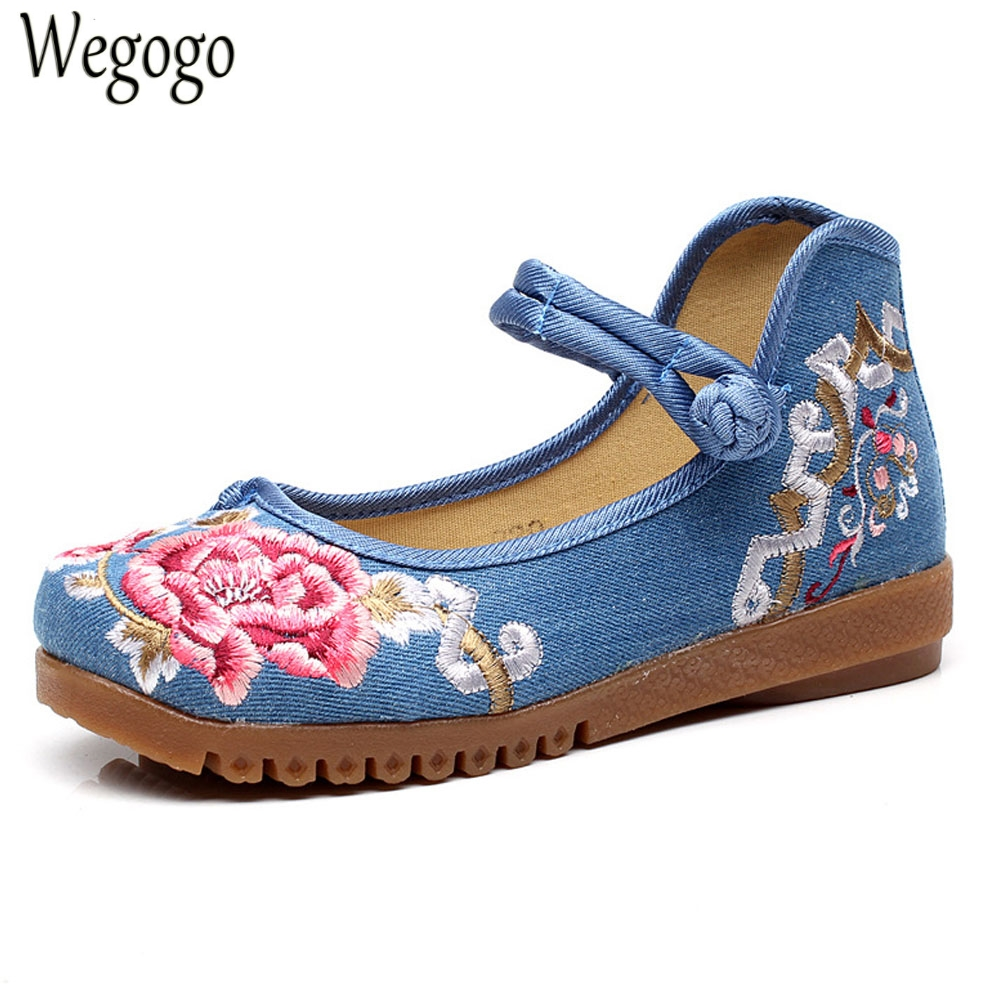 Wegogo Women Flats Shoes Floral Embroidery Soft Comfortable Canvas Mary Janes Dance Ballet Shoes Woman Plus Size 43 wegogo women flats shoes old peking mary jane phoenix floral embroidery soft sole zapatos de mujer ballet flat plus size 41