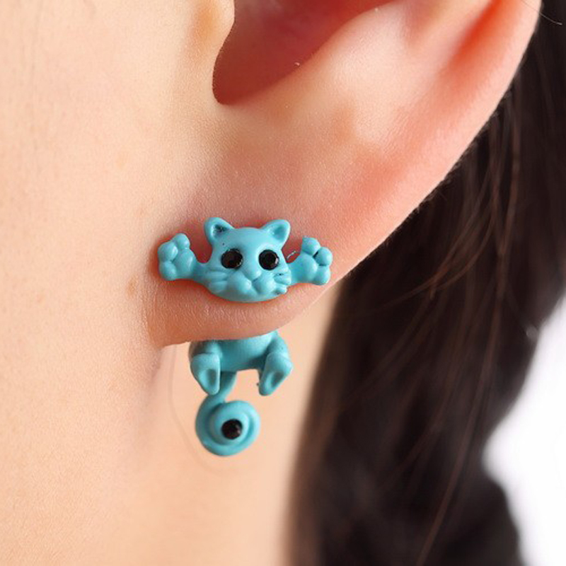 Unusual earrings with a cat. Surprise your girlfriends!