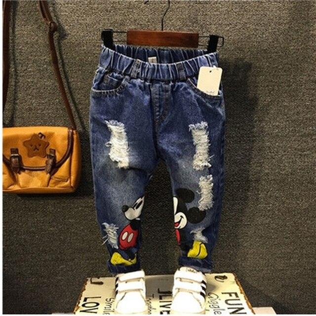 Мальчиков джинсы для 2-6 да 2017 Модные Мальчики Джинсы для Весна осень детская Джинсовая отверстие и мультфильм разработанный Брюки
