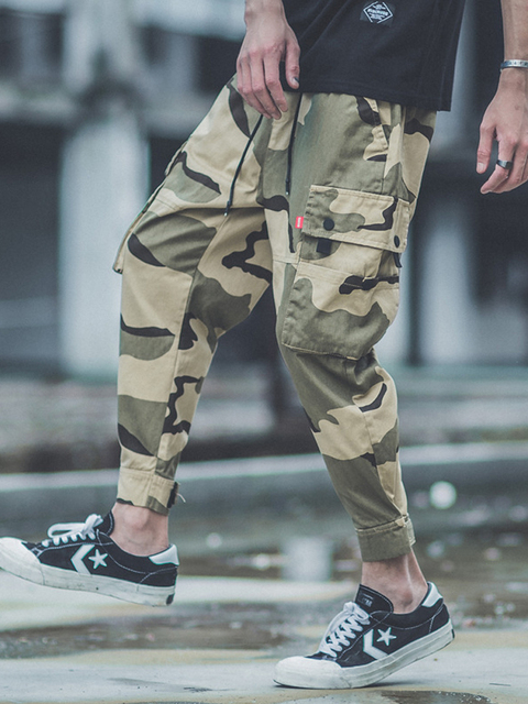 American Streetwear Fashion Joggers Pants Men Orange Color Loose Fit Japanese Style Big Pocket Cargo Pants hombre Hip Hop Pants