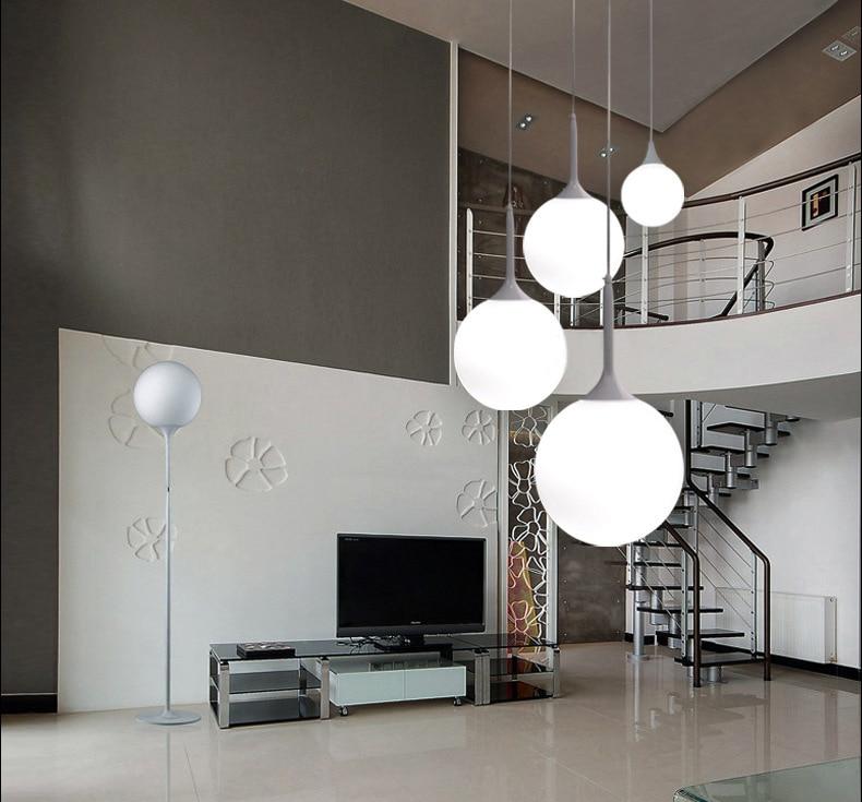 Globo blanco como la leche colgante cristal bola redonda luces para comedor iluminación sencilla y moderna.jpg