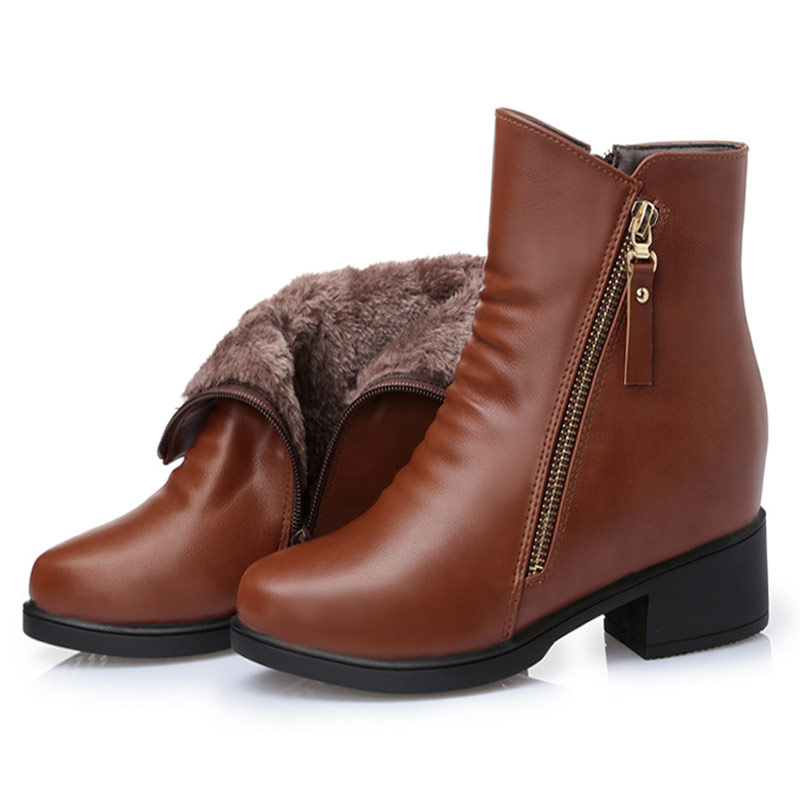 Mommy Shoes Boots Winter middle aged and old women 's cotton leather velvet short tube boots women' s boots with the middle women s boots