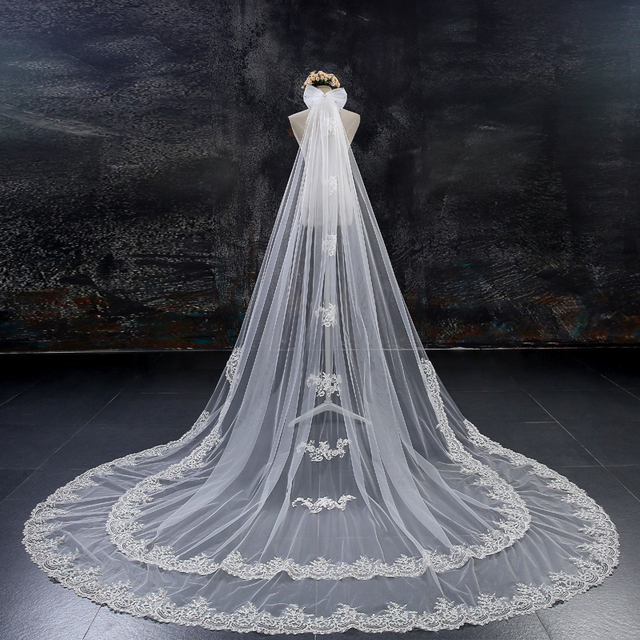 Bridal veil 2018 new hot double lace 4 meters long widening trailing white ivory bow cover soft yarn veil bridal headdress