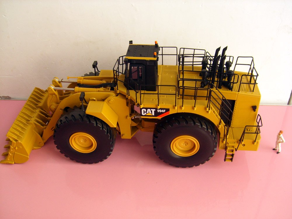 1 50 cat 994f wheel loader toy