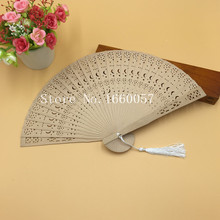 50pcs Wedding Favor Gift Personalized Sandalwood Cutout Fans Star and Moon Wood Color Hand Folding Fans +Customized Engraved(China)