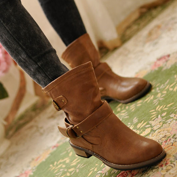 9b425660d028 2015 Women Fashion Martin Short Boots British Driving Vintage PU Leather  Flat Shoes Goth Punk Rock Biker Motorcycle Boot-in Ankle Boots from Shoes  on ...