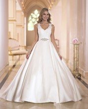 Free Shipping Discount Ball Gown V-Neck Sleeveless Keyhole Back Top Lace Court Train Puffy Wedding Dress With Sashes AW420
