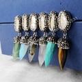 El nuevo venir! moda de la perla Natural y Multi-Kind piedras talladas punta de un lápiz de la gota pendientes pavimentada circones JAB198